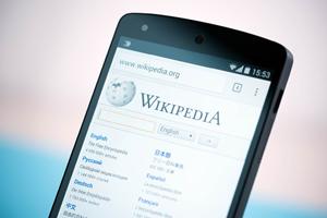 Wikipedia mobile phone