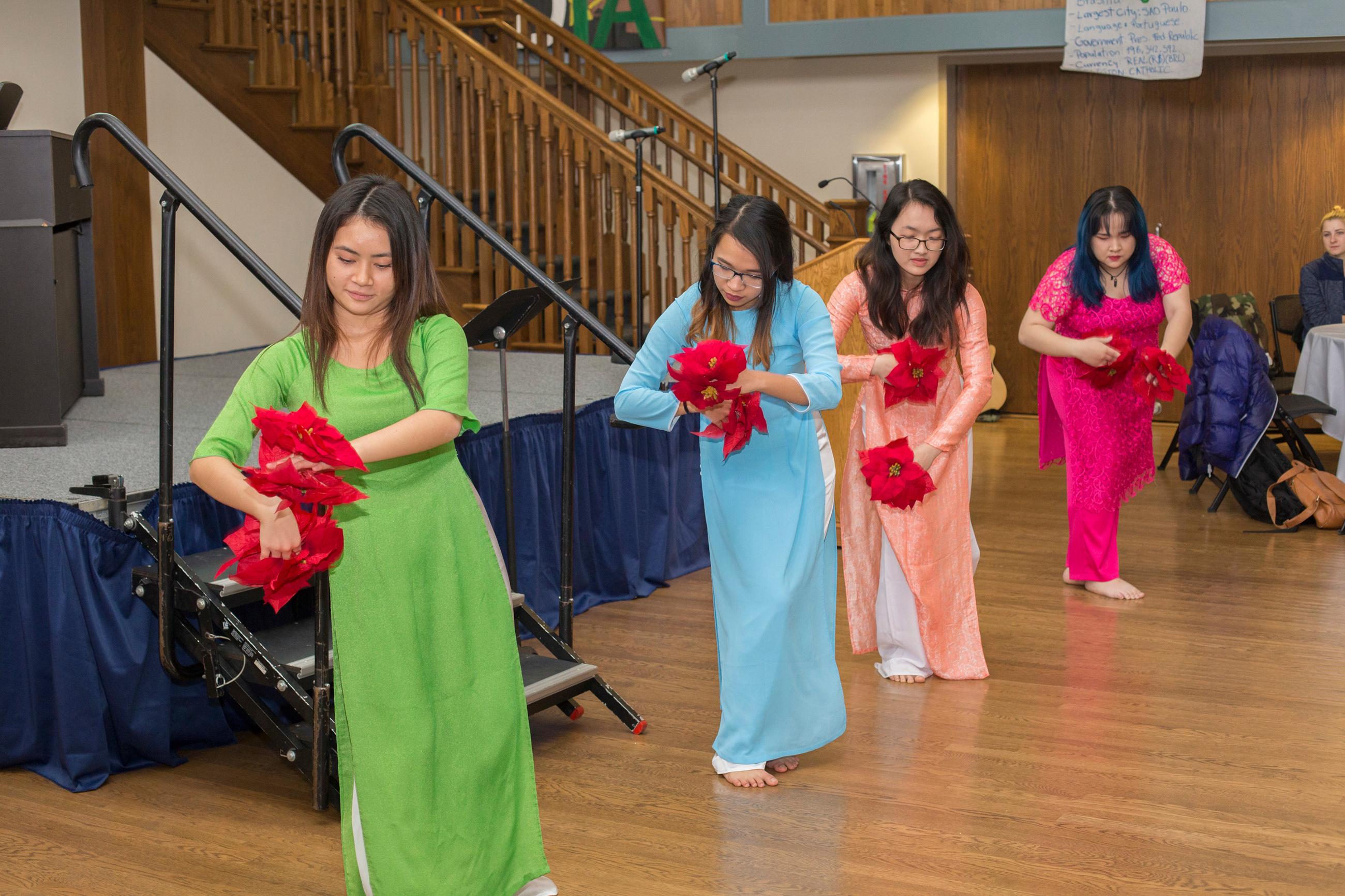 'Extravaganza' showcases Columbia College international population