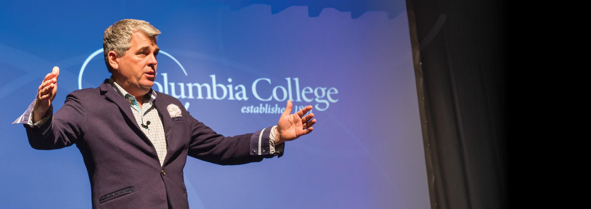 Duane Cummings imparts leadership lessons during visit