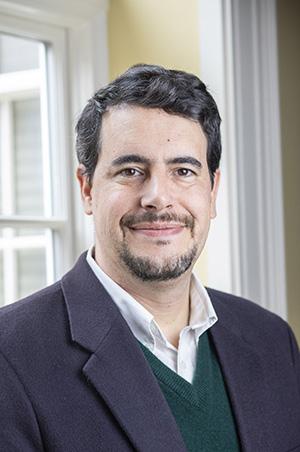 headshot of Dan Gomez-Palacio
